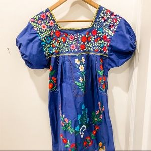 Embroidered Mexican dress with puff sleeves